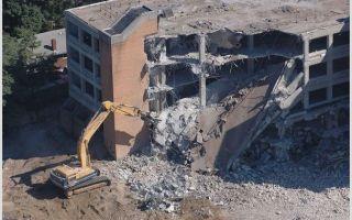 Астраханские власти вынесли решения о сносе бесхозных домов