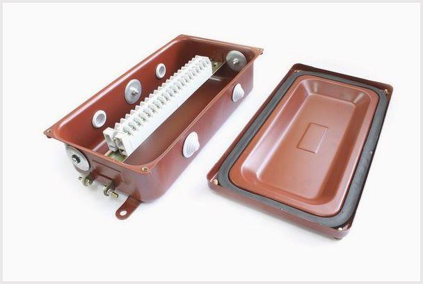Коробка с наборными зажимами